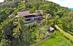Luxury 4-Bed Waterfront Villa - 12,000 sqm of Oceanfront Land, South West Coast