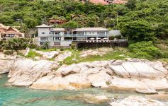 Exclusive 4-Bed Oceanfront Villa, Chaweng Noi