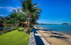 Bespoke 5-Bed Beachfront Villa, Lipa Noi, West Coast