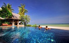 Authentic 5-Bed Thai Style Beachfront Villa, Hua Thanon, South Coast