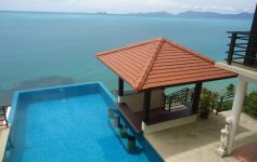 Private Beachfront Villa, Ban Tai